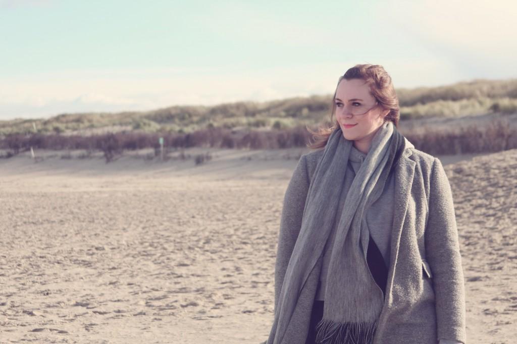 Norderney, Outfit, Strand, Grey in Grey, Look, Grau, Mantel, Kapuzenpulli