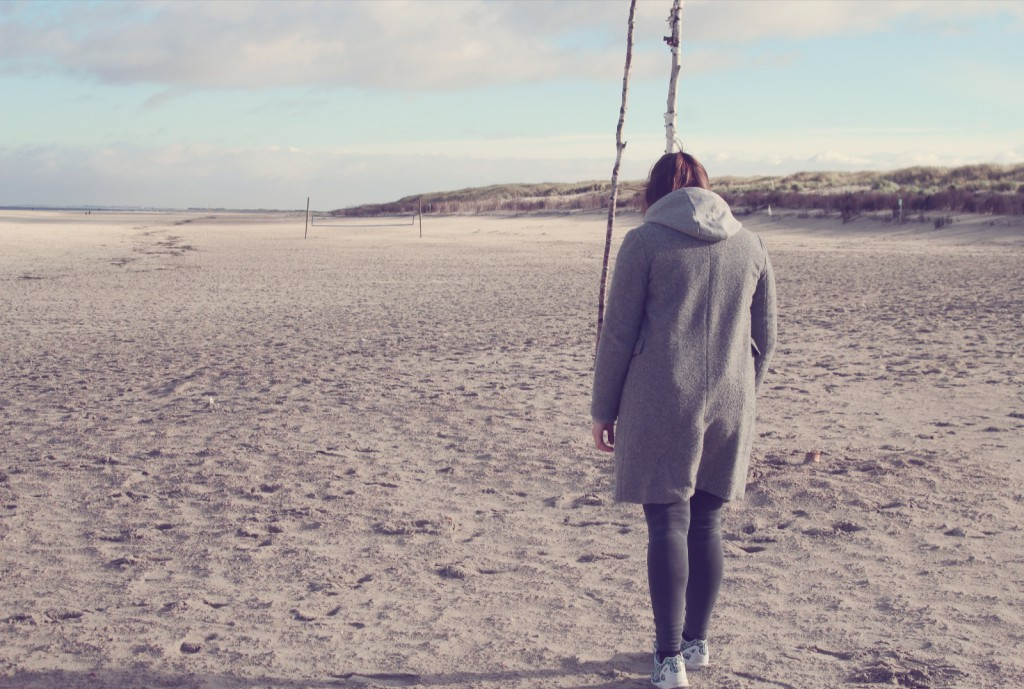Norderney, Outfit, Grey in Grey, Mantel, Look, Strand, Sneaker