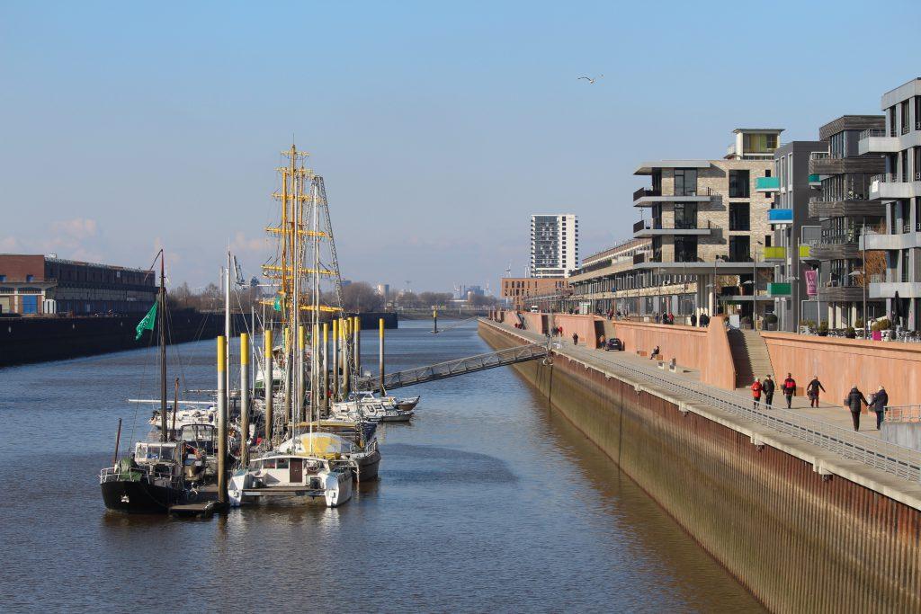 Bremen, Überseestadt, Weser, Hafen