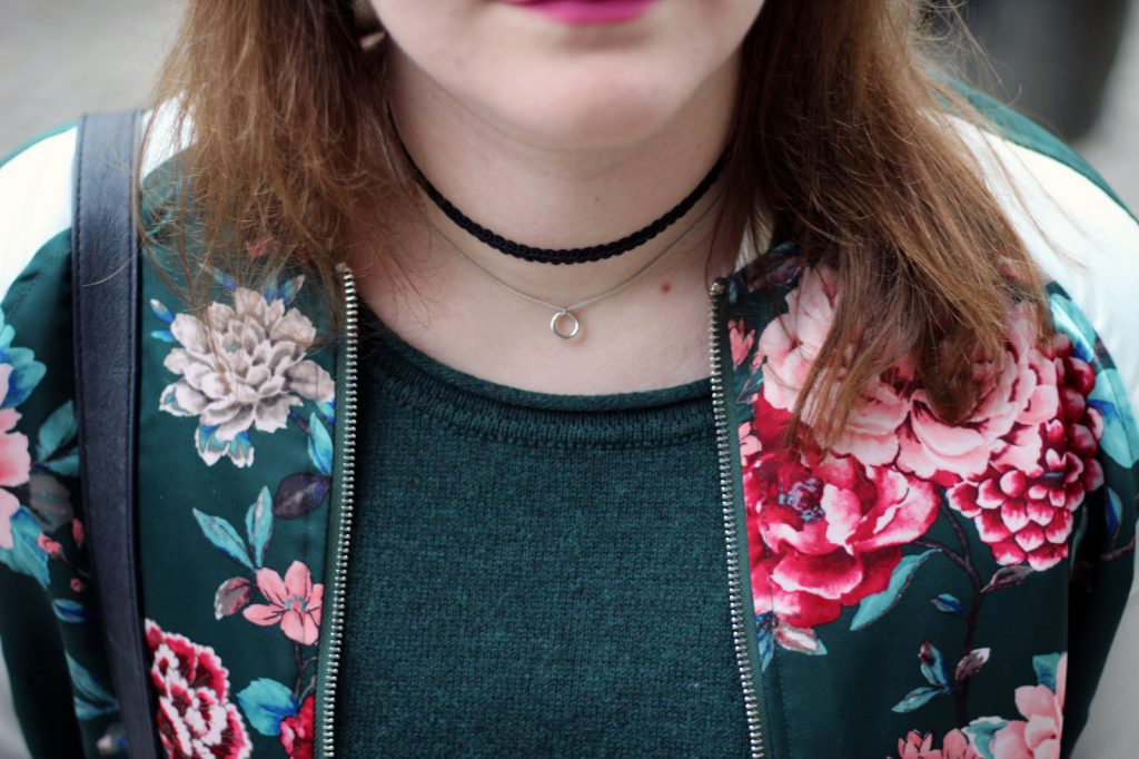 Bomberjacke, Bomber, Jacket, Spring, Look, Outfit, Flower, Print, Blumen, Choker