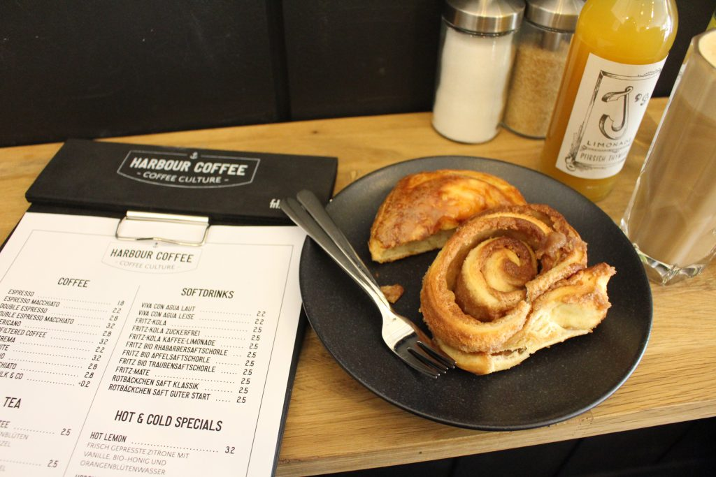 Bremen, Café, Kaffee, Harbour Coffee, Viertel, Show-Röst-Event, Coffee, Zimtschnecken, Latte Macchiato