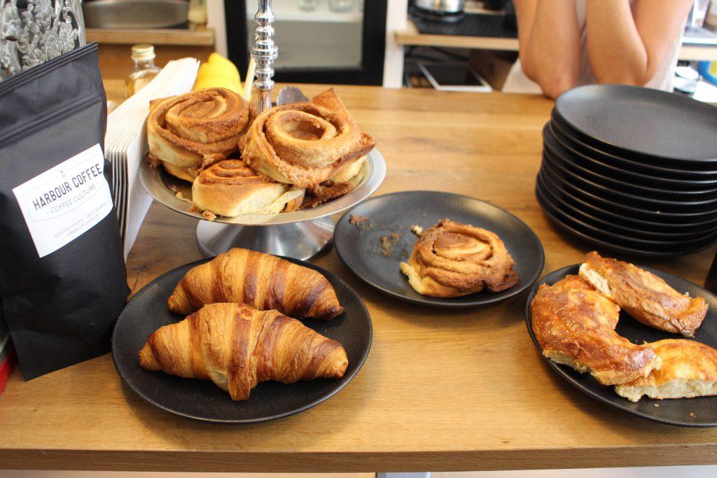 Bremen, Café, Kaffee, Harbour Coffee, Viertel, Show-Röst-Event, Coffee, Zimtschnecken, Latte Macchiato, Croissant