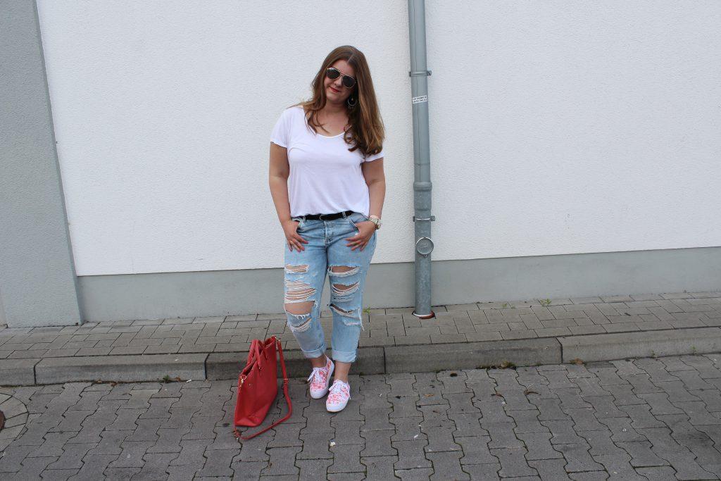 Jeans, Destroyed Jeans, Sommer, Palmen, T-Shirt, Outfit, Fashion, Accessoires