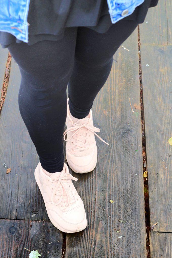 Sporty Spice, Trend, Streetwear, Denim, Sneaker, Leggings, Samt, Hoodie, Turnbeutel, Samt